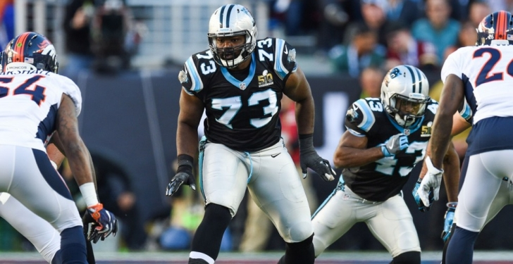 Panthers Extend Michael Oher