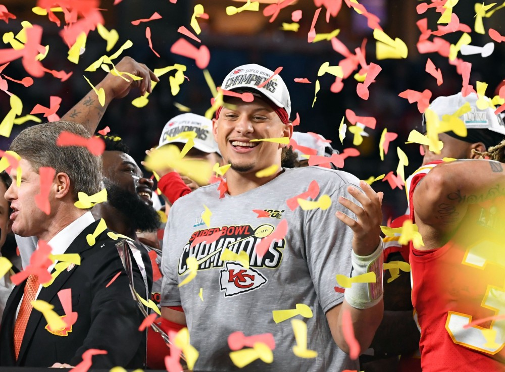 #133: NFL Dynasty Contracts, Super Bowl Broadcast Analysis, & an Offseason of Change for QBs