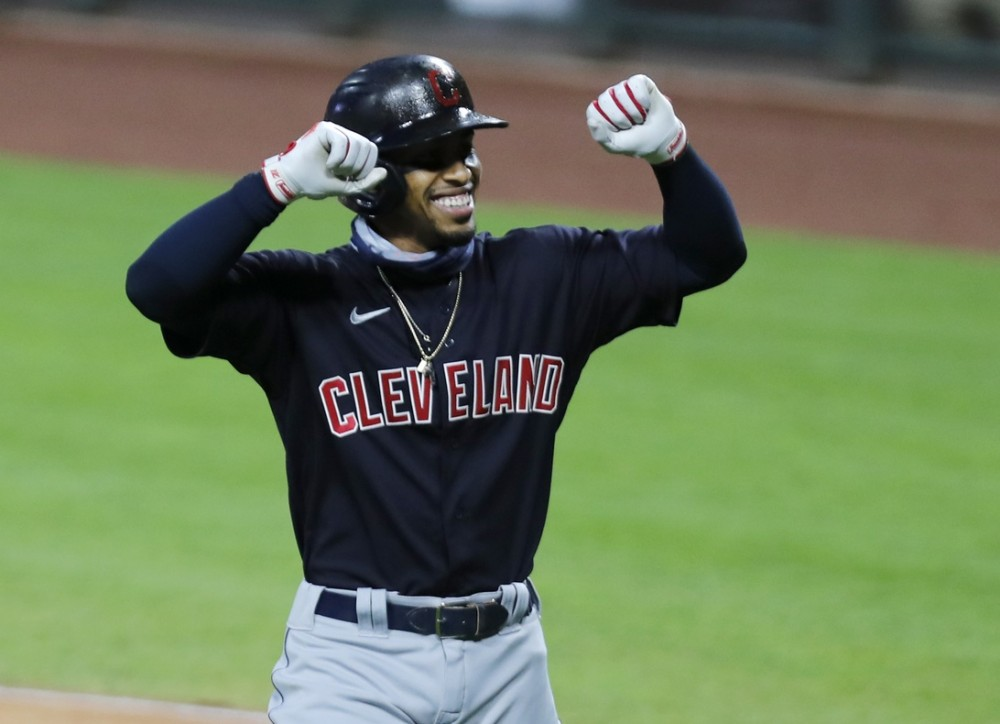 #236: Lindor to the Mets w/ Sarah Langs, & Offensive Lines Tell the NFL Story