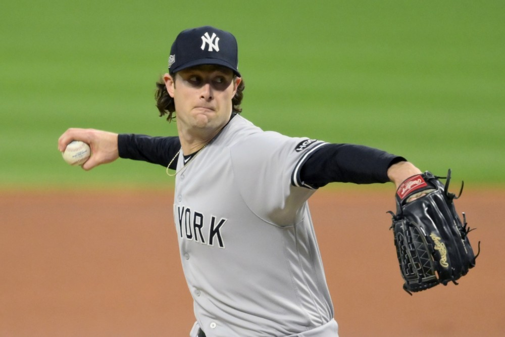 #253: Yankees & MLB Labor Issues with Lindsey Adler, plus Russell's Uncertainty
